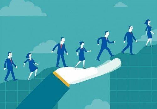 Dans le jargon de l'entreprise l'essaimage est une mesure d'accompagnement mise en place par la direction pour favoriser la reprise d'entreprise ou la création d'une autre entité par un ou plusieurs salariés.